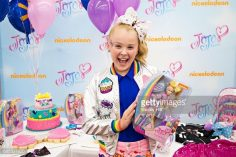 JoJo Siwa of Nickelodeon celebrates his birthday at Walmart in Rogers, AR and presents its new consumer products