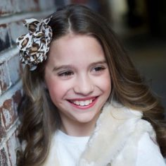 "Mackenzie Ziegler had a ""Dawn Biery"" photo shoot …"