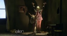 """10 moments in the presentation of """"Chandelier"""" by Sia and Maddie Ziegler in & # 39; Ellen & # 39; that will give you chills – VIDEO"""