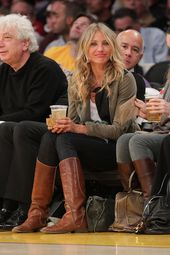 We love how relaxed Cameron Diaz looked at this January 2011 Lakers | The real reason we love basketball? The | POPSUGAR Fashion Photo 21