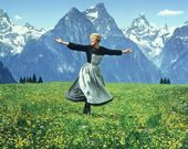 JULIE ANDREWS IN THE FILM 'THE SOUND OF MUSIC' – 8X10 PUBLICITY PHOTO (AA-081)