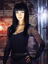 I love the style of Kenzie, from Lost Girl