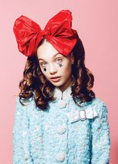 Maddie Ziegler's brilliant beauty session