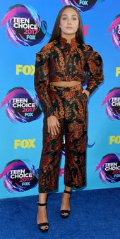 See All the Looks from the Teen Choice Awards 2017 Red Carpet