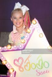 The dancer JoJo Siwa on the red carpet of JoJo Siwa from & # 39; Dance Moms & # 39; …
